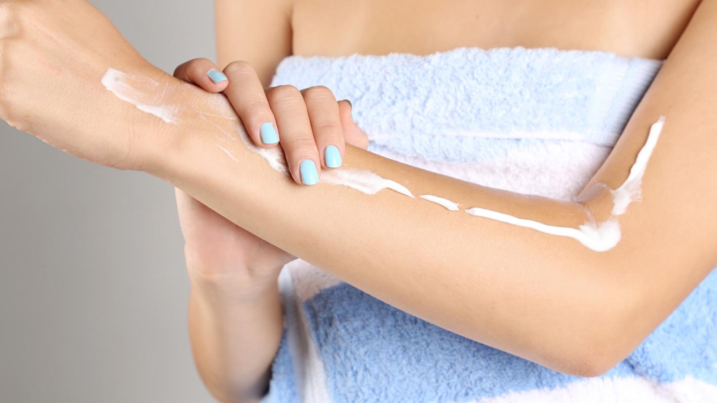 Trockene Haut, Juckreiz und Rötungen sind typische Winter-Hautbeschwerden