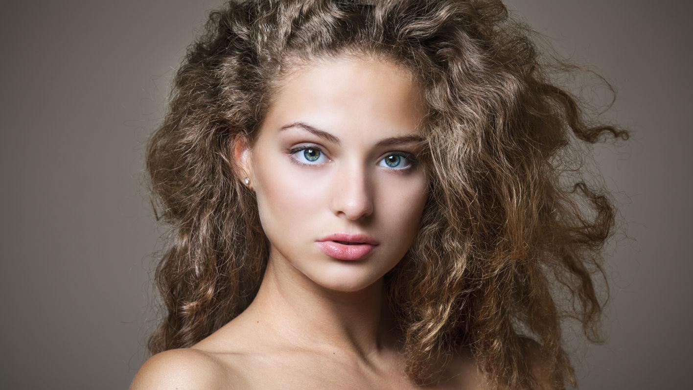 Vier Tipps gegen Frizzy Hair