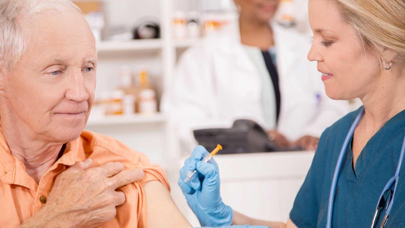 Die Grippeimpfung / TopPharm Kampagne Weihnachten, Grippe und Erkältung / Ihr Gesundheits-Coach