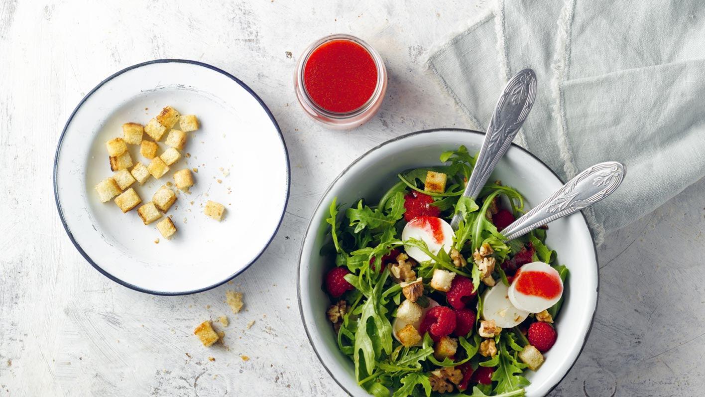 rucolasalat-himbeer-chili-dressing-ziegenkaese.jpg