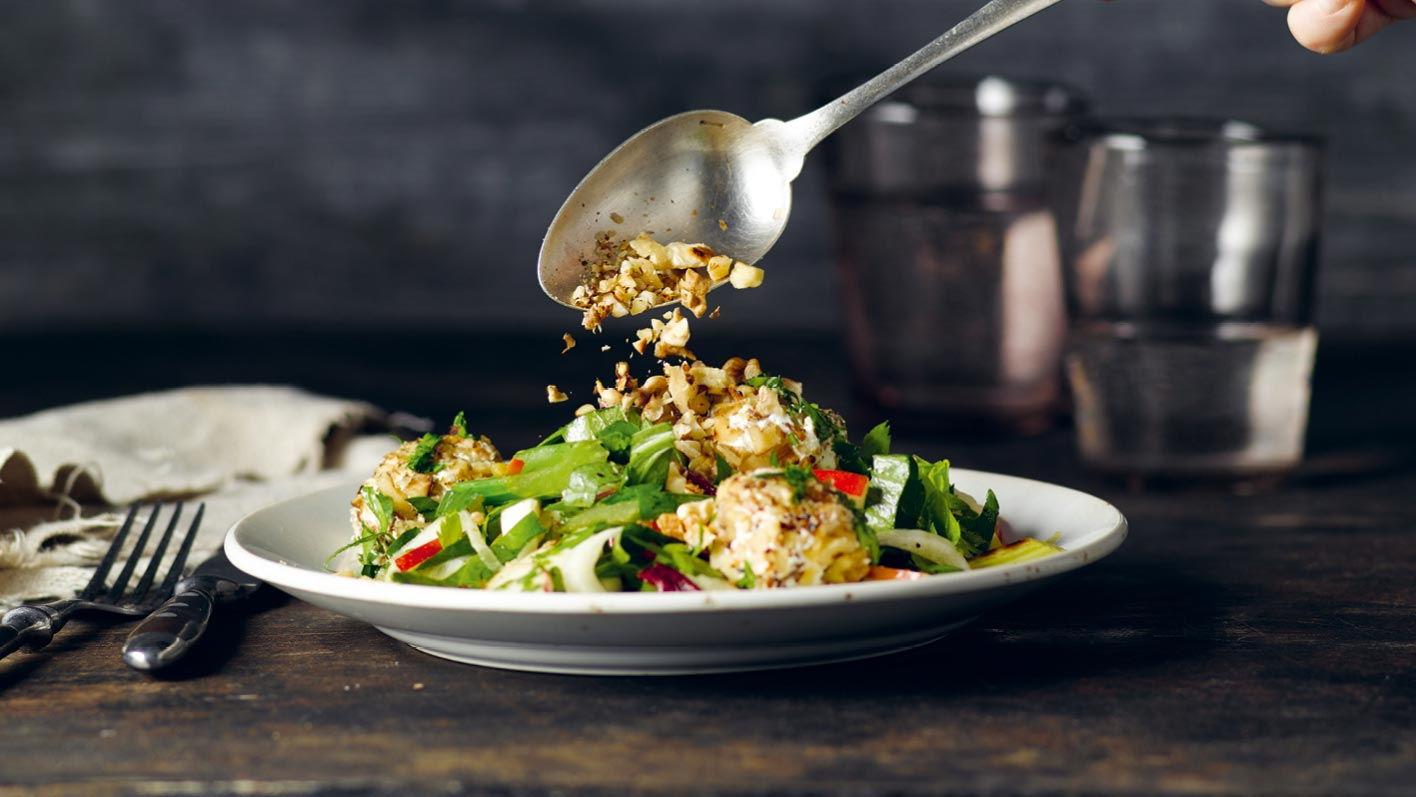 stangensellerie-apfel-salat-mit-frischkaese.jpg