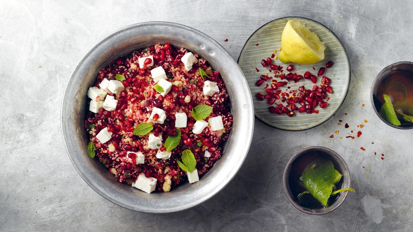 randen-couscous-salat-mit-granatapfelkernen-und-feta.jpg