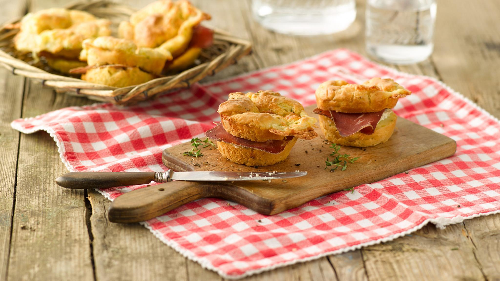 Muffins mit Mozzarella