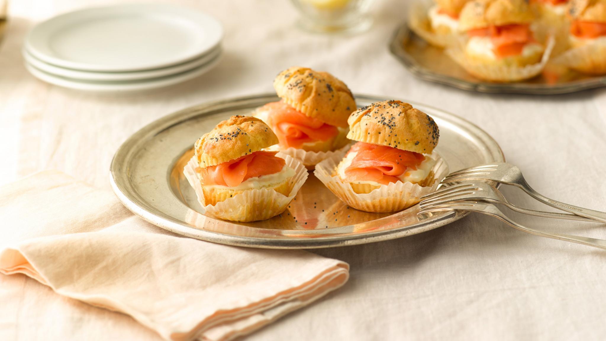 Quark-Muffins mit Rauchlachs und Roastbeef